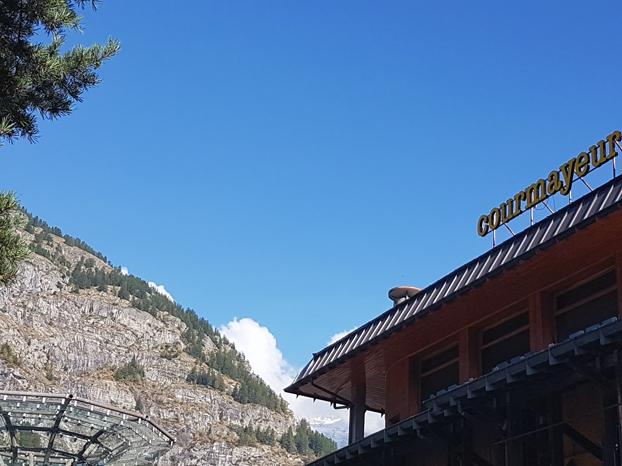 Vue sur la montagne à courmayeur